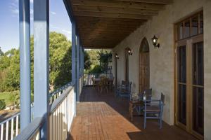 Spacious downstairs verandah with Gas BBQ